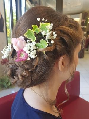 coiffure de mariée avec fleurs