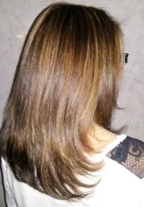 cheveux longs apres meches et coupe vue derriere