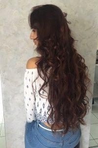 long cheveux bouclés